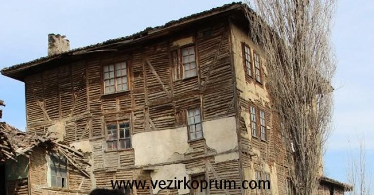 Habibfakı Köyü Tarihi Ahşap Bina